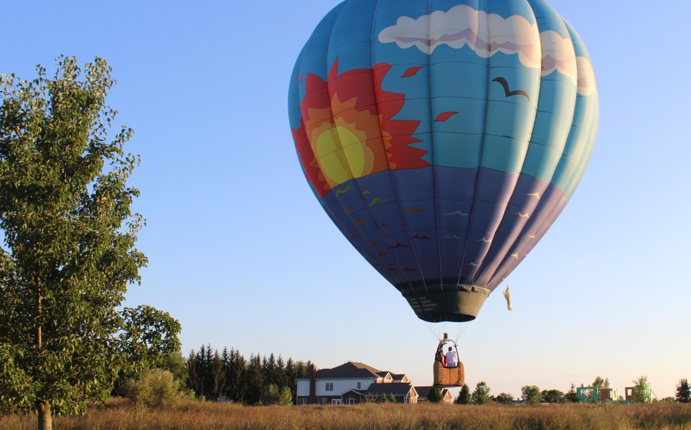 Take a hot air balloon ride in michigan westwind balloon company